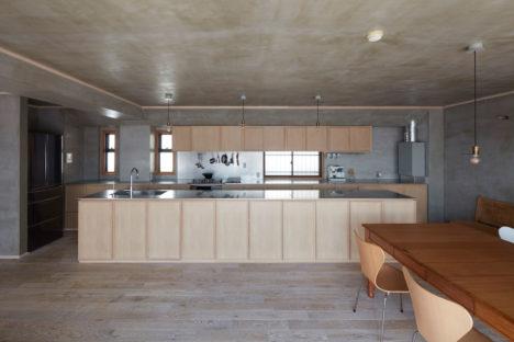 サムネイル:谷尻誠+吉田愛 / SUPPOSE DESIGN OFFICEによる、神奈川の「逗子の家」