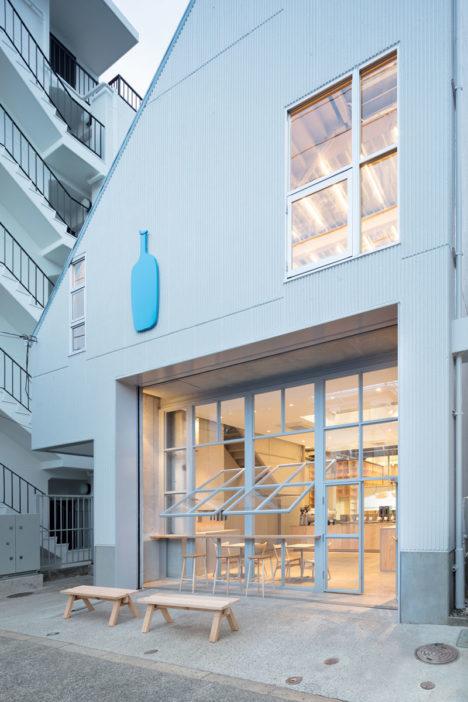 サムネイル:長坂常 / スキーマ建築計画による、東京・中目黒の「ブルーボトルコーヒー中目黒カフェ」