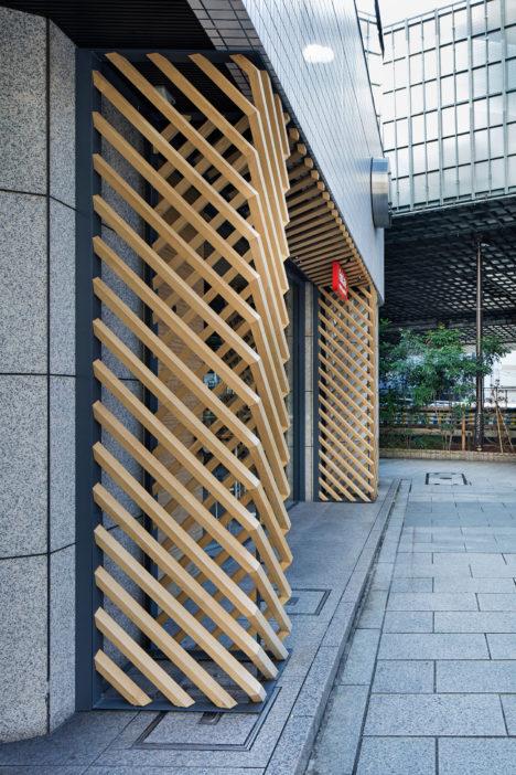 サムネイル:大野友資 / DOMINO ARCHITECTSによる、東京・渋谷・道玄坂のカフェのエントランス周りのデザイン「FabCafe Tokyo エントランス」