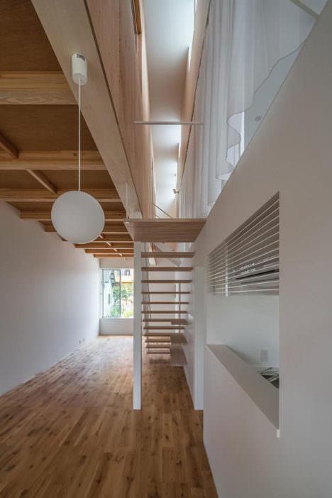 サムネイル:諸江一紀建築設計事務所による、愛知・名古屋の「十一屋の住宅」