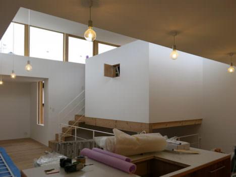 サムネイル:手塚建築研究所出身の、まる・ち設計/知念里奈による東京・世田谷の住宅「灯台の家」のオープンハウスが開催 [2017/2/25]