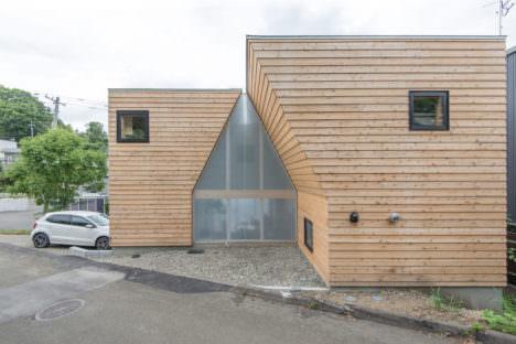 サムネイル:髙木貴間建築設計事務所による、北海道札幌市の住宅「house in nishino」