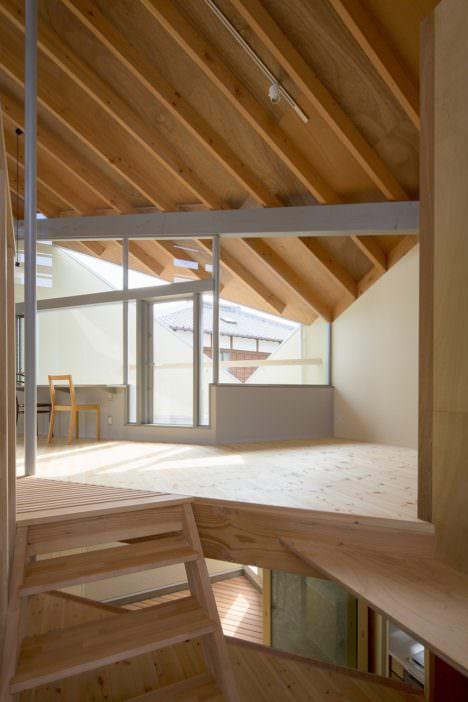 サムネイル:水野芳康 / 水野建築事務所による、静岡・藤枝の住宅「寺田邸」