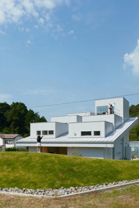 サムネイル:藤原・室 建築設計事務所による、「徳島の家」