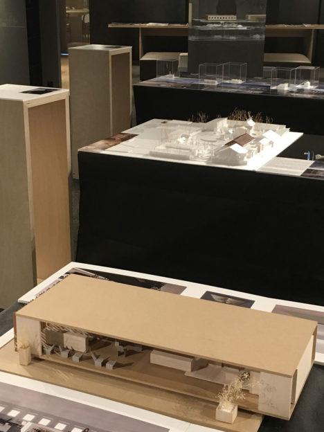 サムネイル:齊藤正・橋口新一郎・村田純が参加する、JIA / 日本建築家協会(近畿支部住宅部会)が主催の建築家3人展「無哲」の会場写真