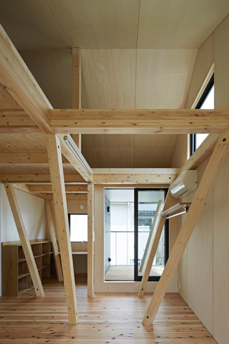 12_YHouse_MainBedroom