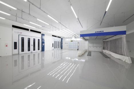 phiaro-6.1自然光を抑えた塗装室