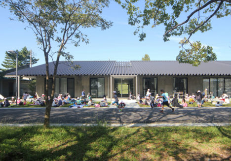 サムネイル:渡辺隆建築設計事務所による、静岡・磐田の公民館「豊岡中央交流センター」