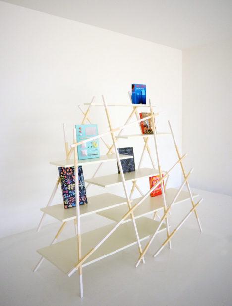 サムネイル:pivotoによる、家具シリーズ「KIRI」