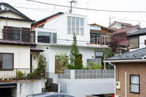 サムネイル:tent architects studio+ジェネラルクリエーションによる、神奈川の「横浜の住宅」