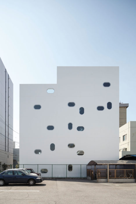 サムネイル:加藤吉宏による、愛知県名古屋市の、自社アトリエ「TETOTE NOTE」