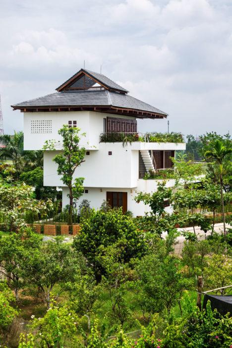 サムネイル:竹森紘臣 / WORKLOUNGE 03- VIETNAMによる、ベトナムの住宅「Step House」