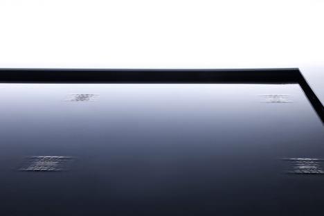 サムネイル:TAKT PROJECTによる、ミラノデザインウィーク2017でのアイシン精機のためのインスタレーション「Visible Motion」