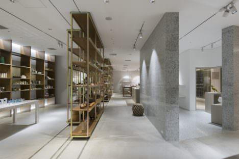 サムネイル:二俣公一 / ケース・リアルによる、東京・銀座のGINZASIX内の店舗「CIBONE CASE」
