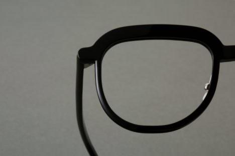 サムネイル:二俣公一がプロダクトデザインを手掛けた、メガネフレーム「Elder_ARAOKAGANKYO」