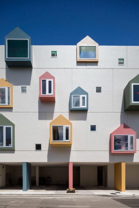 サムネイル:藤森雅彦建築設計事務所による、宮城・仙台の保育所「つつじがおか もりのいえ保育園」