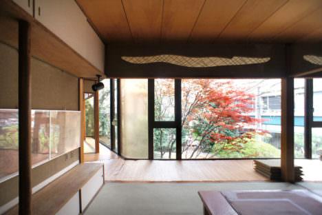 サムネイル:山田守による、東京・南青山の自邸の現在の様子を伝える写真