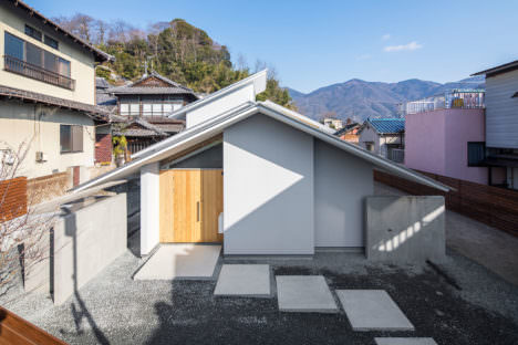 サムネイル:花本大作建築設計事務所による、広島県呉市の住宅「大上の家」