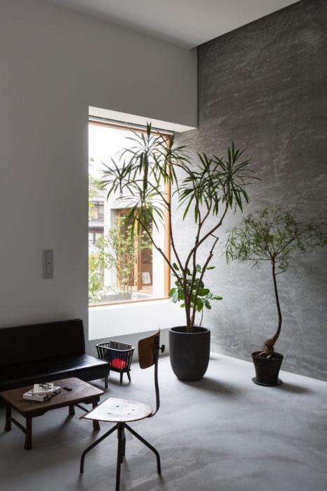 サムネイル:木村浩一 / フォルム・木村浩一建築研究所による、滋賀のアトリエ併用住宅「呼応する空間」