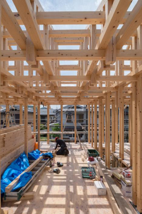 サムネイル:森田一弥建築設計事務所による、京都・左京区の「A 資料館」の現場写真など