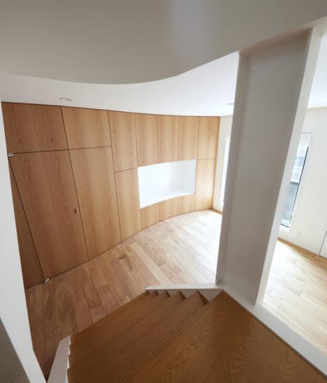 サムネイル:檜垣幸志建築設計事務所+竹島建築設計事務所による、東京・世田谷の住宅「淡島の改修」