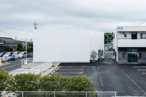 サムネイル:後藤周平建築設計事務所による、静岡の「袋井の三壁」